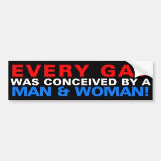 Varje bög tänktes ut av en man & en kvinna! bildekal