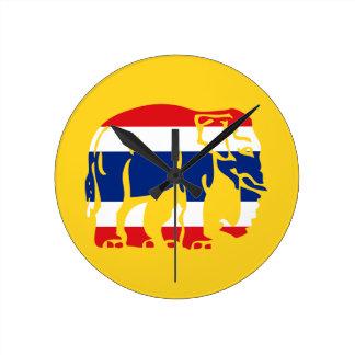 Varna elefanter som korsar thailändsk flagga, rund klocka