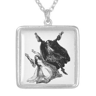 Varney Vampyren kvadrerar halsbandet Halsband Med Fyrkantigt Hängsmycke