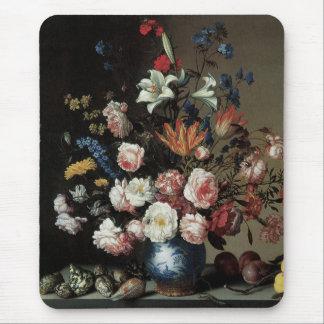 Vas av blommor vid ett fönster, Balthasar skåpbil Musmatta
