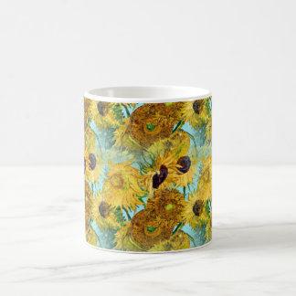 Vas med tolv solrosor av Vincent Van Gogh Kaffemugg