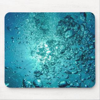 Vatten bubblar musmatta