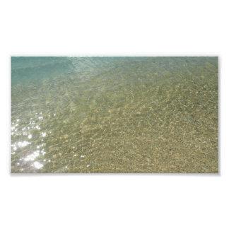 Vatten på stranden görar sammandrag jag fototryck
