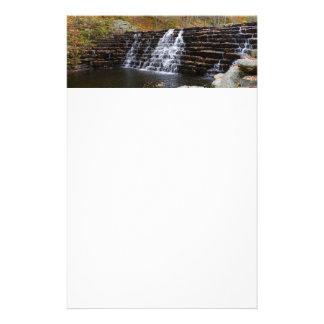 Vattenfall på lagrarbackedelstatsparken mig brevpapper