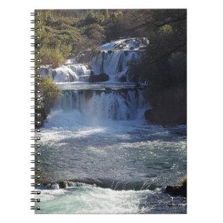 Vattenfallet noterar boken anteckningsbok