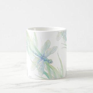 Vattenfärgslända i mjuk deppighet- & gröntkonst kaffemugg