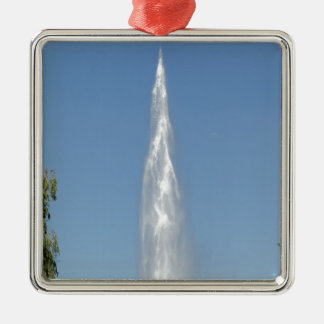 Vattenfontän med en blå himmel julgransprydnad metall