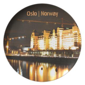 Vattenreflexioner i Oslo, norge Tallrik