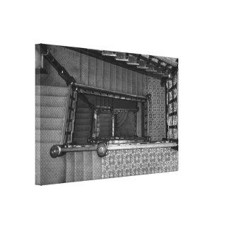 Växande Stairwellgråton Canvastryck