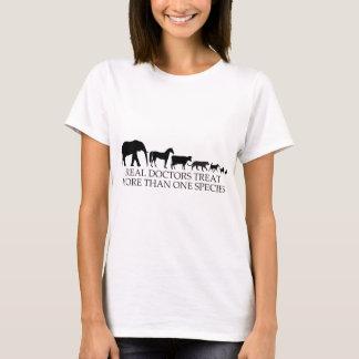 Verklig art än en för fest för doktorer (Vets) mer T Shirts