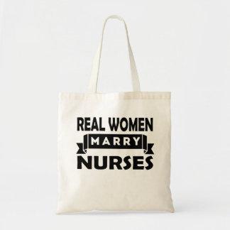 Verkliga kvinnor att gifta sig sjuksköterskor budget tygkasse