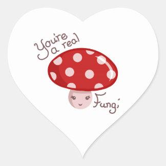 Verkliga svampar hjärtformat klistermärke