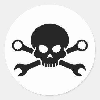 """Verktyg för skalle """"n"""" - skruva pirat 1 (svarten) runt klistermärke"""