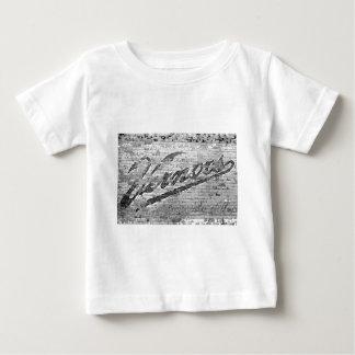 Vernors vägg - Ann Arbor, Michigan Tee Shirts