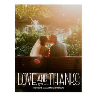 Vertikal kärlek och tack som gifta sig tackkortet vykort