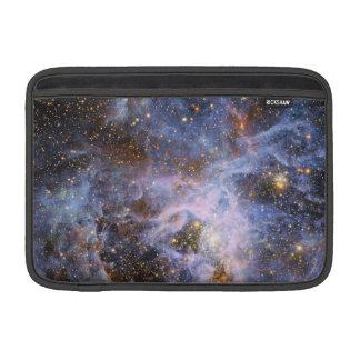 VFTS 682 i det stora Magellanic molnet MacBook Sleeve