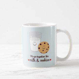 Vi går tillsammans den lika mjölk- och kaffemugg