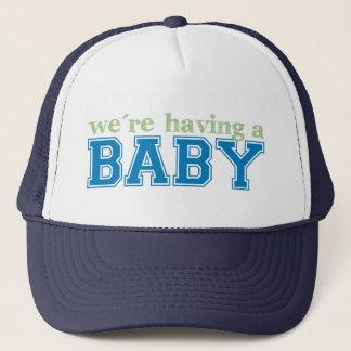 Vi har en baby truckerkeps