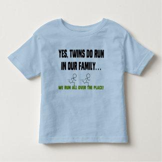 Vi kör alla över stället! tee shirts