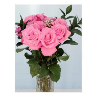 Vibrerande bukett av härliga rosa ros vykort