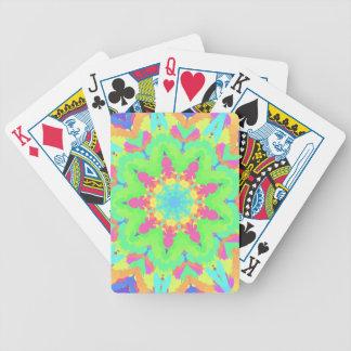 Vibrerande flickaktigt pastellfärgad Kaleidescope Spelkort