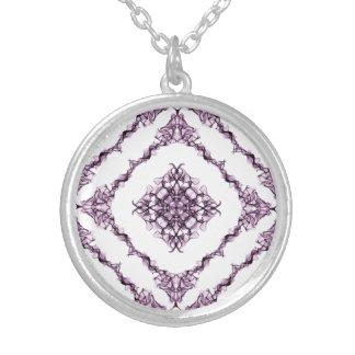 Victorian inspirerad purpurfärgad silverpläterat halsband