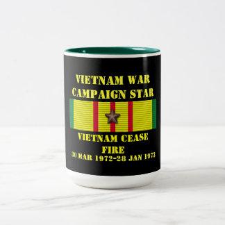 Vietnam vapenvila/kampanj Två-Tonad mugg