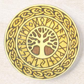 Viking runor med kustfartyget för trädsandstendrin underlägg sandsten