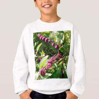 Vild Beautyberry Bush utanför i den soliga Florida T-shirts