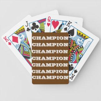 Vilda western som leker kort spelkort