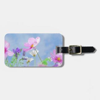 Vilden blommar blå himmel bagagebricka