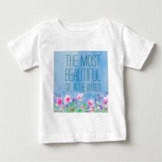 Vilden blommar den mest härliga flickan i världen tee shirt