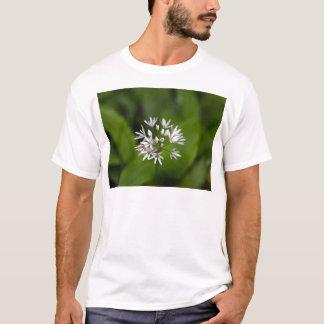 Vildvitlök eller ramsonsAlliumursinum T Shirts