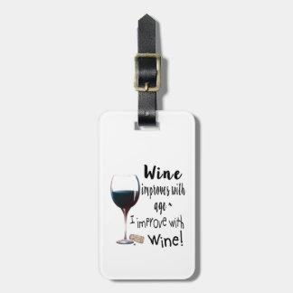 Vin förbättrar med ålder som jag förbättrar med bagagebricka