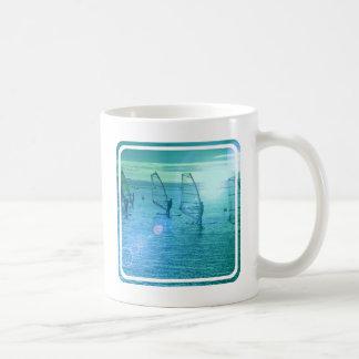 Vindsurfa designkaffemuggen kaffemugg