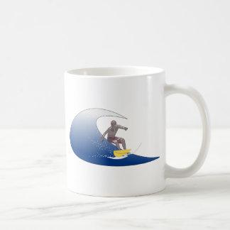 Vinka att surfa kaffemugg