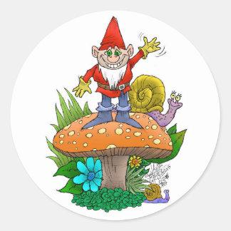 Vinka Gnome.jpg Runt Klistermärke