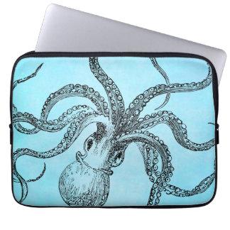 Vintage1800sbläckfisk på krickablåttvattenfärg laptop fodral