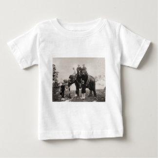 Vintage bild Indien som reser vid elefanten Tee Shirt