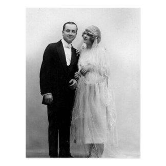 Vintage bröllop bruden och brudgummen vykort