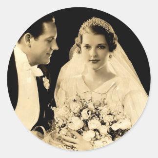 Vintage bröllopbrud och brudgum runt klistermärke