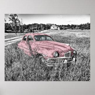 vintage car som överges i fältrosaaffisch print