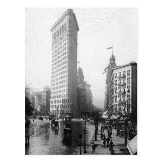 Vintage fotograferar av Flatironen som bygger NYC Vykort