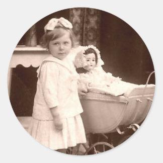 Vintage fotograferar barnet med pramen runt klistermärke