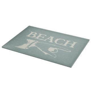 Vintage som pekar stranden, undertecknar
