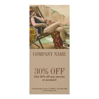 vintagebaddräkten klämmer fast upp att garva för reklamkort