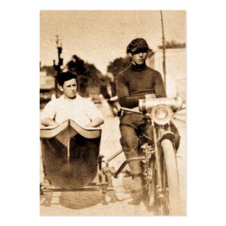 Vintagebiker och motorcykel för Sidecarvildfredlös Set Av Breda Visitkort
