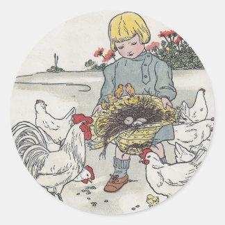 Vintageflicka med hönor, E är ett ägg Runt Klistermärke