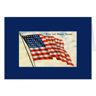 VintageFourth av kortet för Juli flaggahälsning Hälsningskort