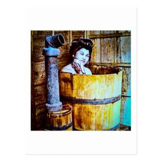VintageGeishabadningen i trä badar i gammala Japan Vykort
